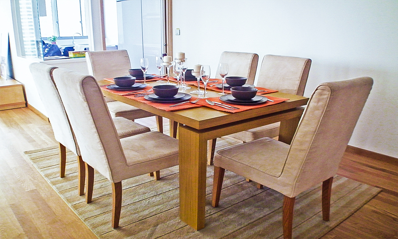 Singapore furnishings home diningroom